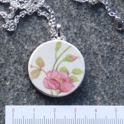handmade jewellery broken china plate pendant