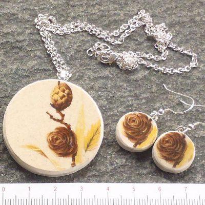 handmade jewellery broken china plate pendant and earrings